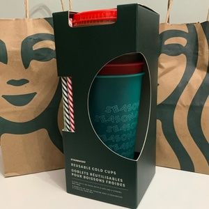 Starbucks Holiday Cold Cups with straws 2019